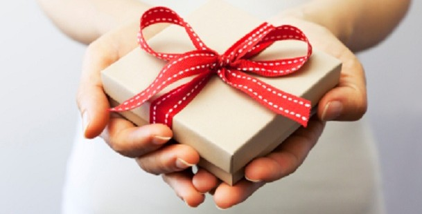 8 Tips for Getting Customers Ready for the Holidays with Social Media and Email Marketing
