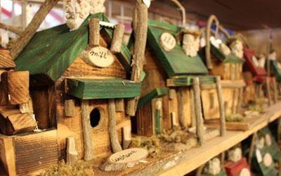 Fall fundraiser idea - Pigeon Forge craft festival bird houses