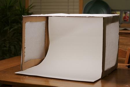 DIY lightbox as explained by craftfoxes.com